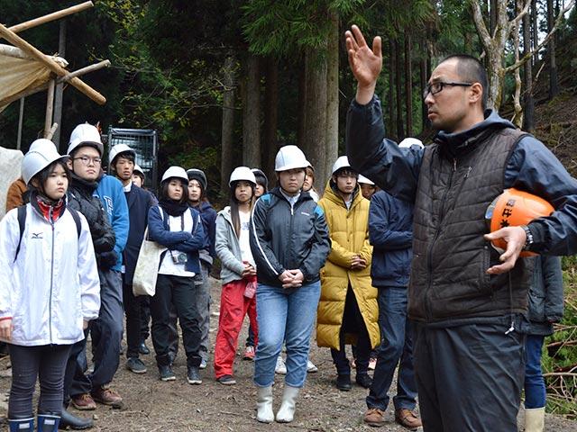 限界集落の田舎と放置される山を救える可能性を話しました。