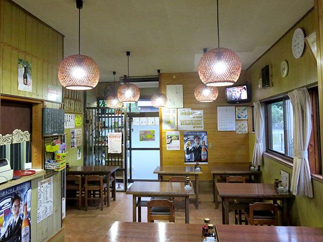 お食事処お食事処きくち亭の店内が昭和で落ち着く感じ