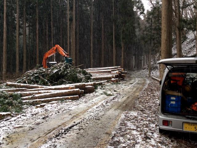 京都府南丹市美山町の作業現場です。降雪で作業中なので寒かったです。