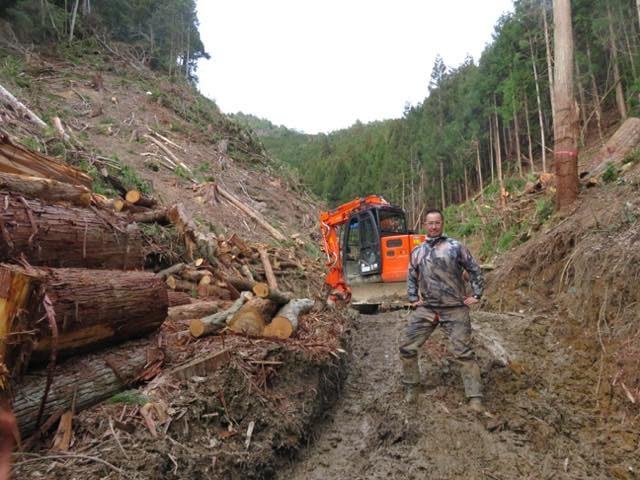 【京都府南丹市美山町】搬出する機械と木は重量オーバー、地元のお墓参りに使う大事な橋を壊さず木を出すには!?