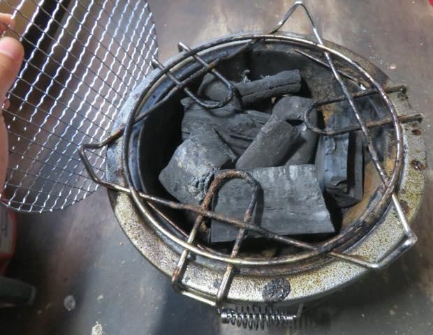 ブロワーはバーベキューの炭火おこしにも使える